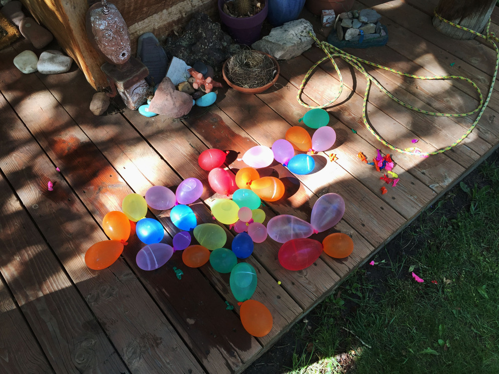 Water Balloons on Andrea's Porch 2015   amandamollindo.com