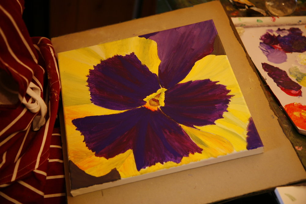 Georgia O'Keeffe and Flower Painting Workshop - Saturday 7th July-Sunday 8th July, 10.00-4.00. £180 including all art materials. Take home your drawings and paintings. Tiny group, book now 01379 897393Georgia O'Keeffe was an American artist who created large, colourful, stunning paintings magnifying small parts of flowers.We will make drawings of small parts of flowers, which we will enlarge to make an oil or acrylic painting on canvas to take home.Basic drawing and shading skills needed.