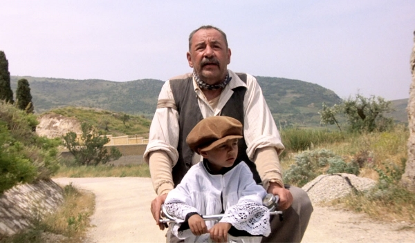 Lumira_cinema-paradiso-by-giuseppe-tornatore-bicycle-scene.jpg