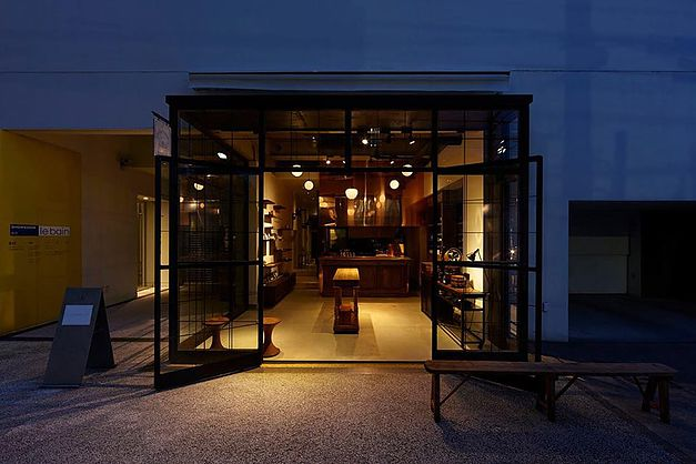 The gorgeous glass frontage of Souen gives way to a minimalist's dream space, complete with Tokyo's most elegant, modern tea service