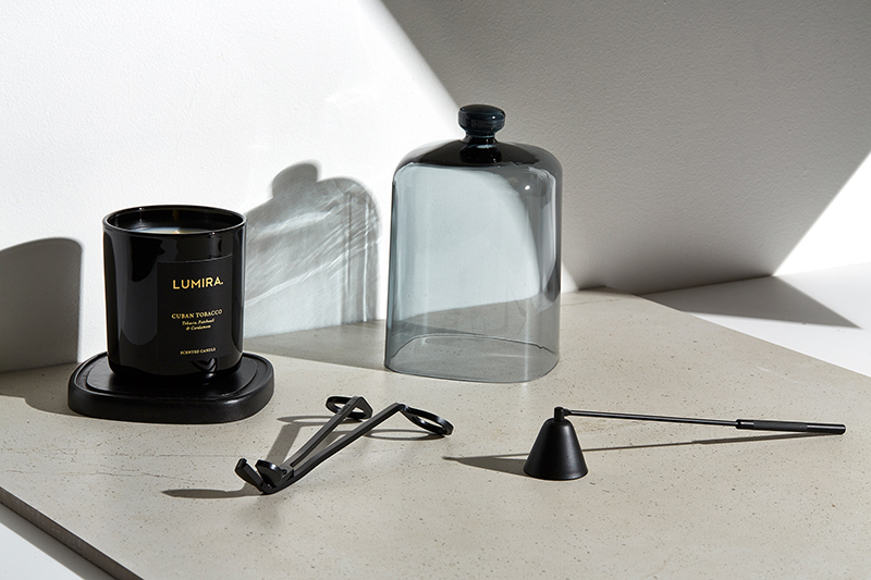 ESCAPE WITH SCENT -