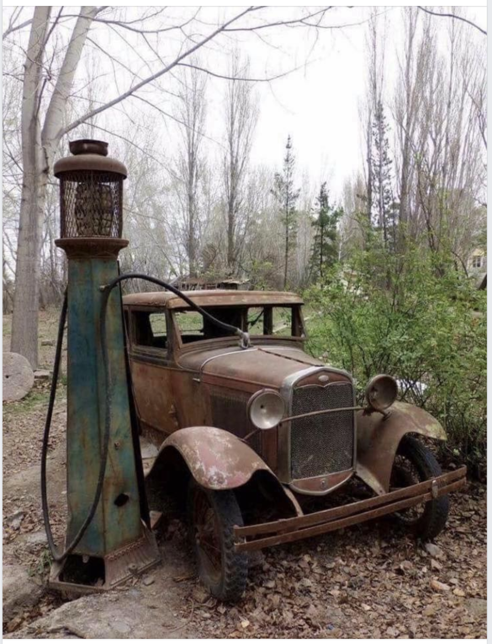 Rusty old gas pump and car_Garden n country FB page.png