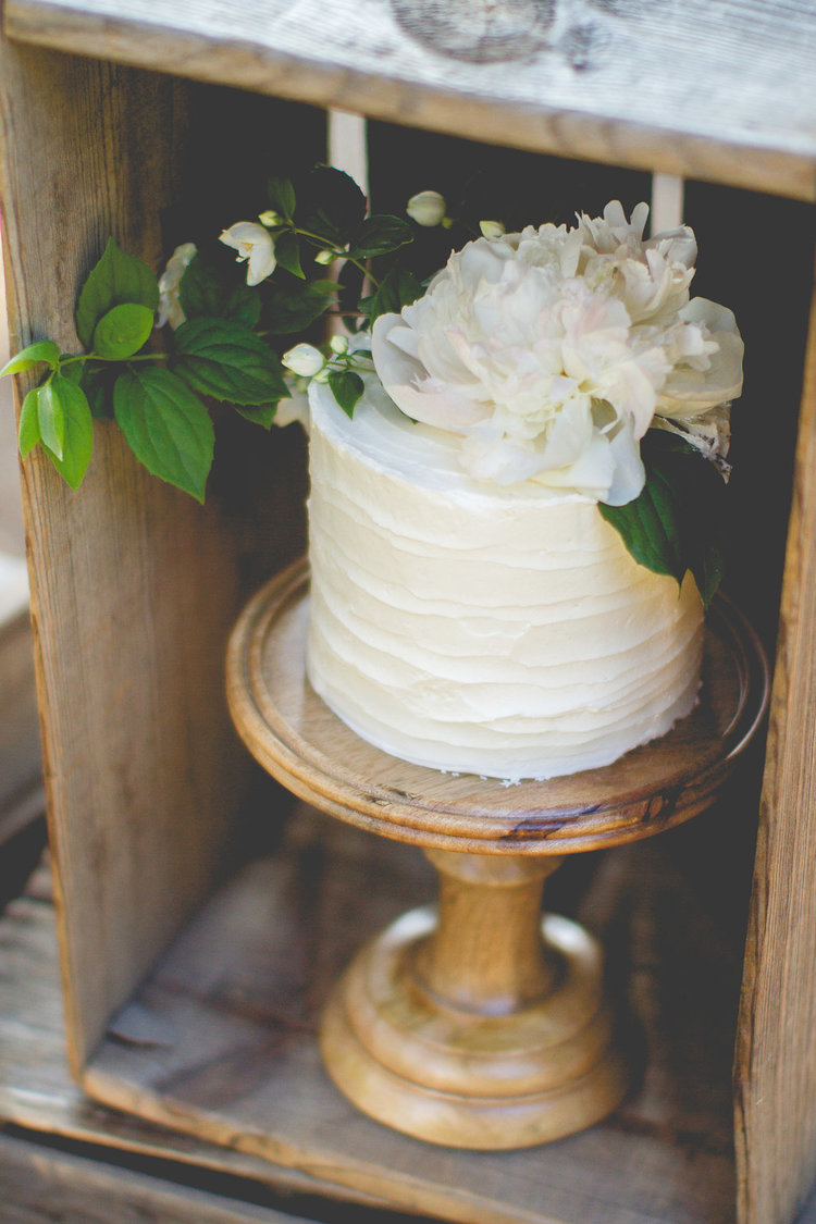 Wonderful Tall Mango Wood Cake Stand with Glass Dome Top — HRJ Events  AE43