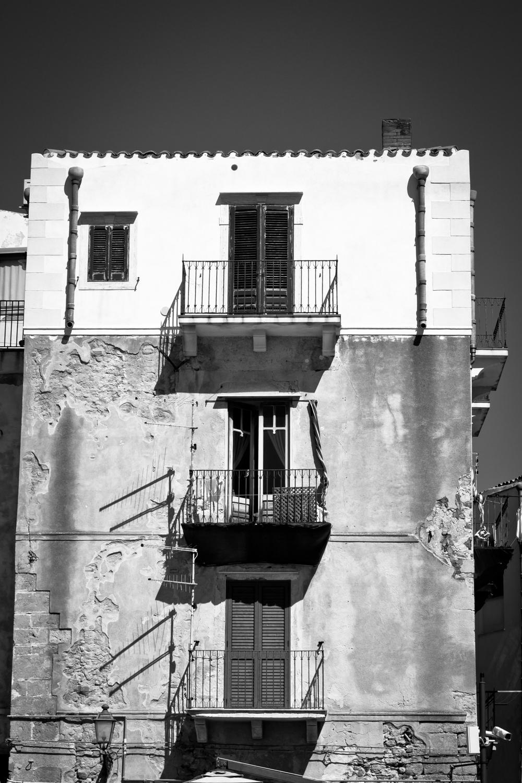 Balconies, Cefalu
