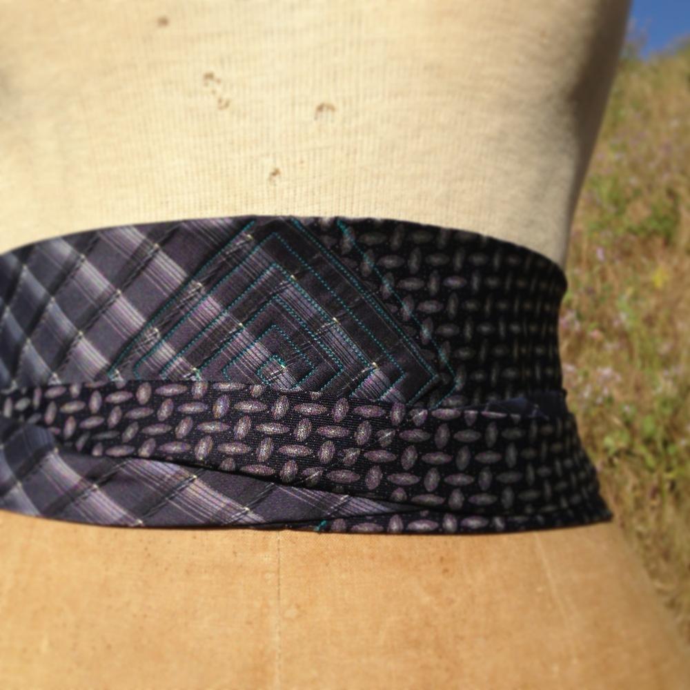 necktie obis.