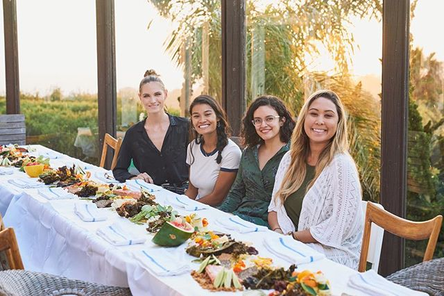 FBF to this fun event in Malibu with these fearless females! Who's your girl gang?! @chloemcallahan @cloudnineliving @andrillom @livbensonnn @lindsay_laine