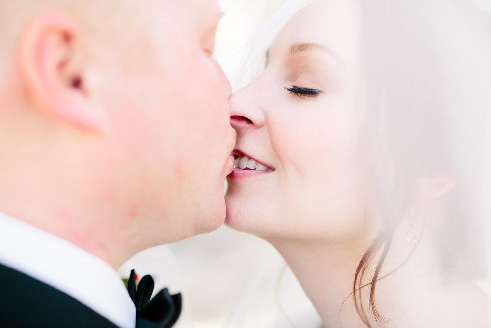 santa-barbara-elopement-wedding-planner-coordinator-day-of-el-encanto-belmond-resort-elope-lily-pond-black-tie-riviera (8).jpg