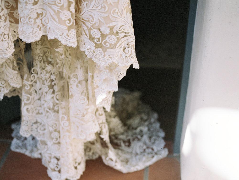 santa-barbara-elopement-elope-alegria-design-event-planner-coordinator-day-of-el-encanto-resort-lily-pond-wedding-intimate-red-maroon-city-ocean-view-rooftop (3).jpg