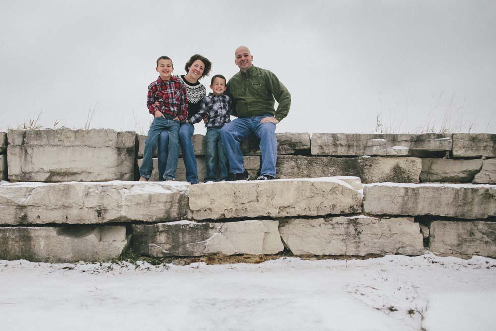 Glacial-Park-Family-Photos-Jillian-Powers-Photography010.jpg
