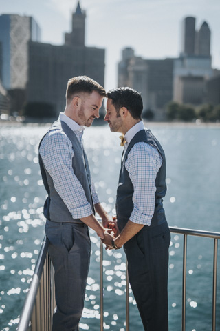 jillian-powers-photography-chicago-same-sex-couples.jpg