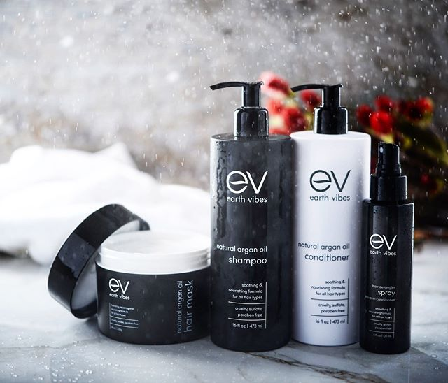 Lifestyle shot for @earthvibesinc - hope your Monday's are as relaxing as this image #creativephotography #productphotography #productphotographer #lifestylephotography #losangelesphotographer #losangelesphotography #studiophotography #stilllifephoto #haircare #beauty #happymonday!