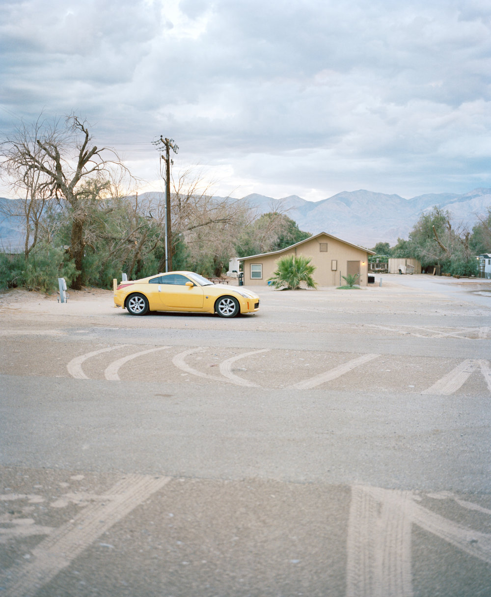 Cathy_USA_death valley_yellow car and tyre marks 001.jpg