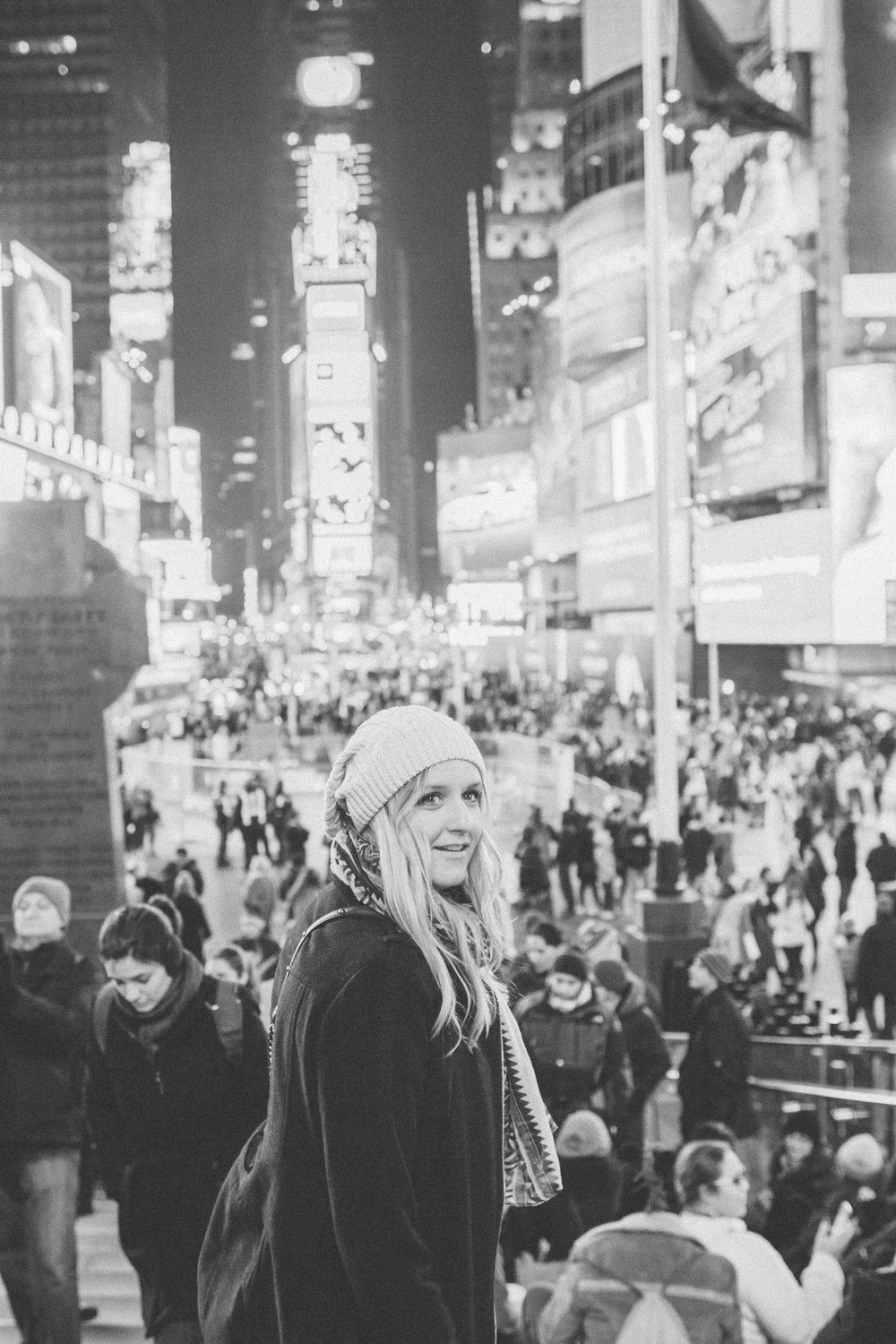 NEW YORK CITY PART III // FIVE MINUTES IN TIME SQUARE // THE ETERNAL CHILD // VALERIE NOELL © 2013