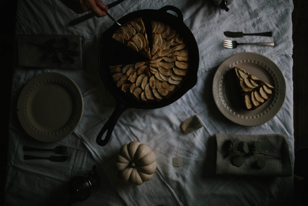 The Eternal Child // SLOW LIVING AND AFTERNOON TEA WITH JOHNNY APPLESEED CAKE (VEGAN)