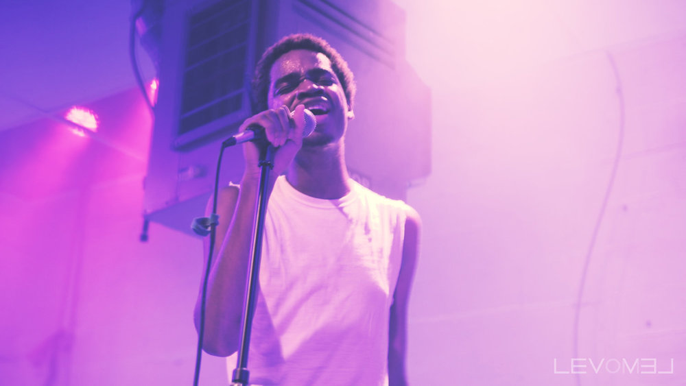 seq_singing.jpg