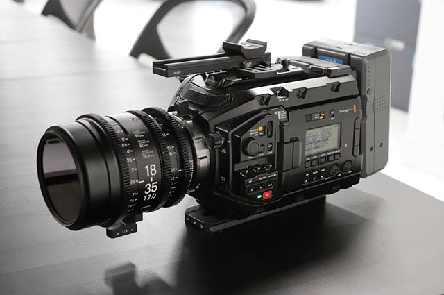 The fact that this rig exists for under $10k is insane. It is not perfect, but this was everything I wanted in film school. In-camera 4.6k 60fps raw, built-in ND, interchangeable mount, built-in LCD, side handle, onboard XLR and mic, etc.