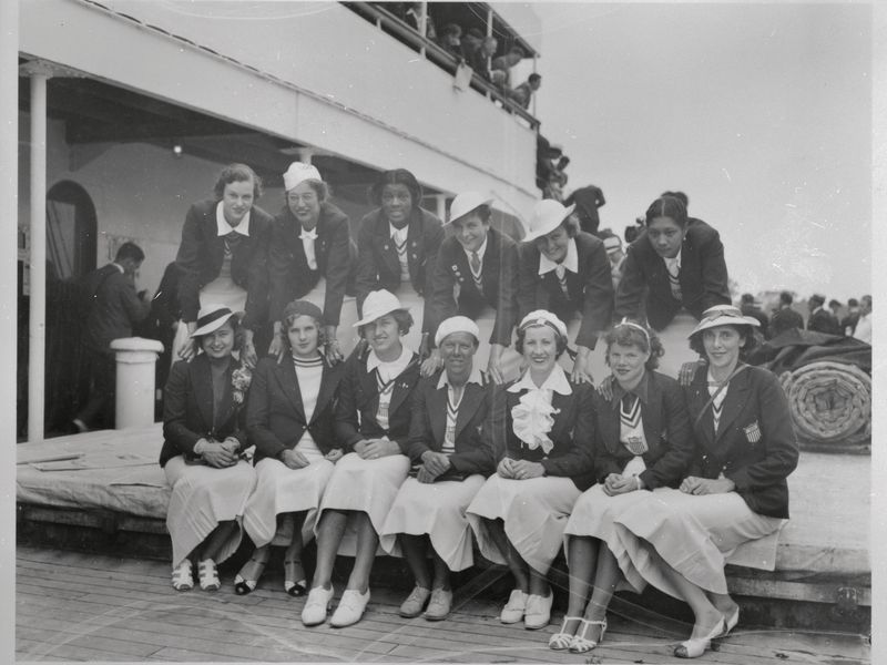 Back row right Pickett, 3rd left Stokes Bettmann  Getty Images.jpg