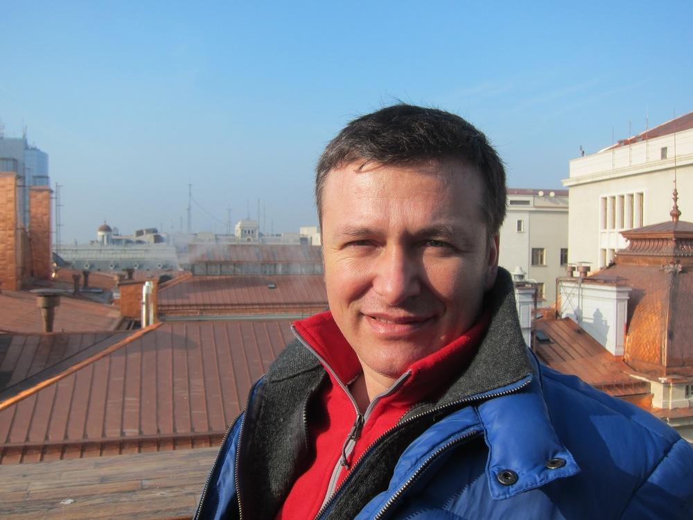 Cosmin Manolescu in central Bucharest©Nicola Mullenger