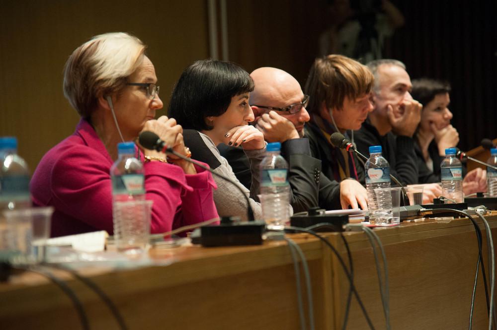 2.symposium-203.jpg