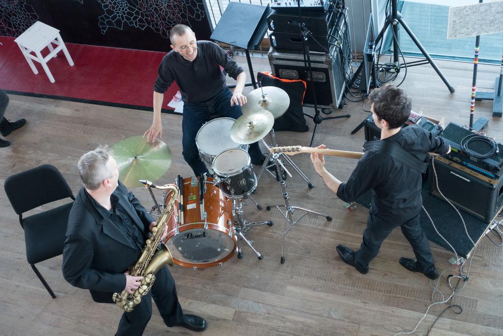 Klangforum Wien playing during Urbo Kune  at Muziekgebouw aan 't IJ. Photo by Canan Marasligil