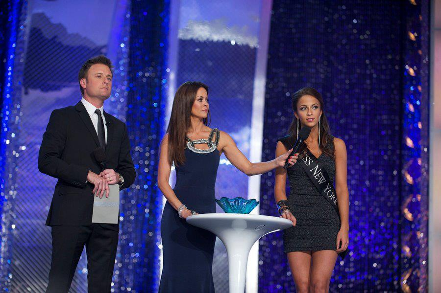 kaitlinmonte on stage question missnewyork missamerica.jpg