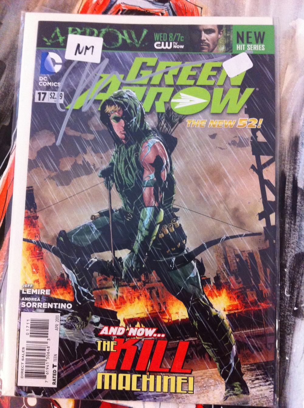 GREEN ARROW #17-34 + 23.1 + Future's End #1 COmplete Jeff Lemire/Andrea Sorrentino run on GA. INcludes from CW Diggle's 1st Appearance and Komodo's first appearance. Doesn't hurt that the 1st issue is Signed by Jeff Lemire!