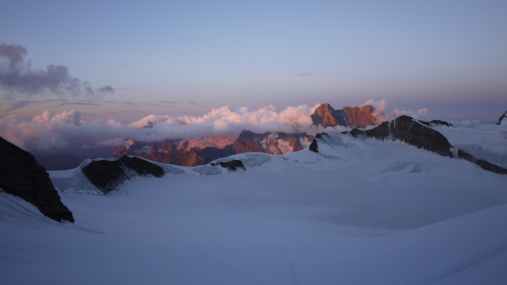 Sunrise Monch Hut.jpg