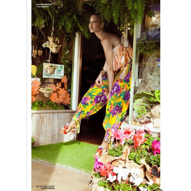 Love this editorial shoot for @jutemagazine taken by @kay_sukumar #flowers #floraldesign #flowerstyling