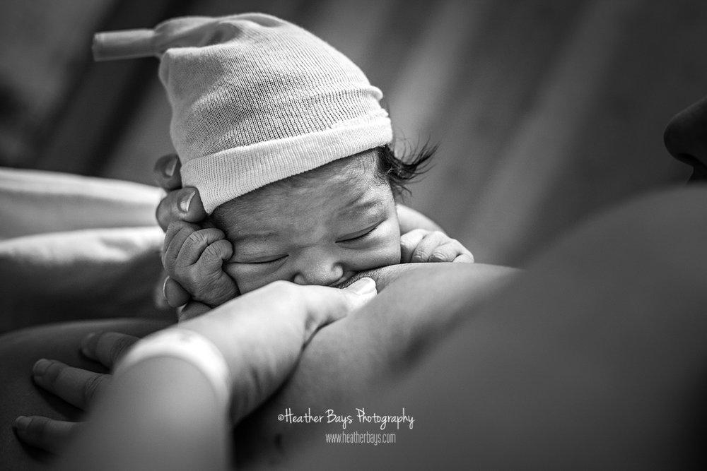 breastfeeding black and white birth story