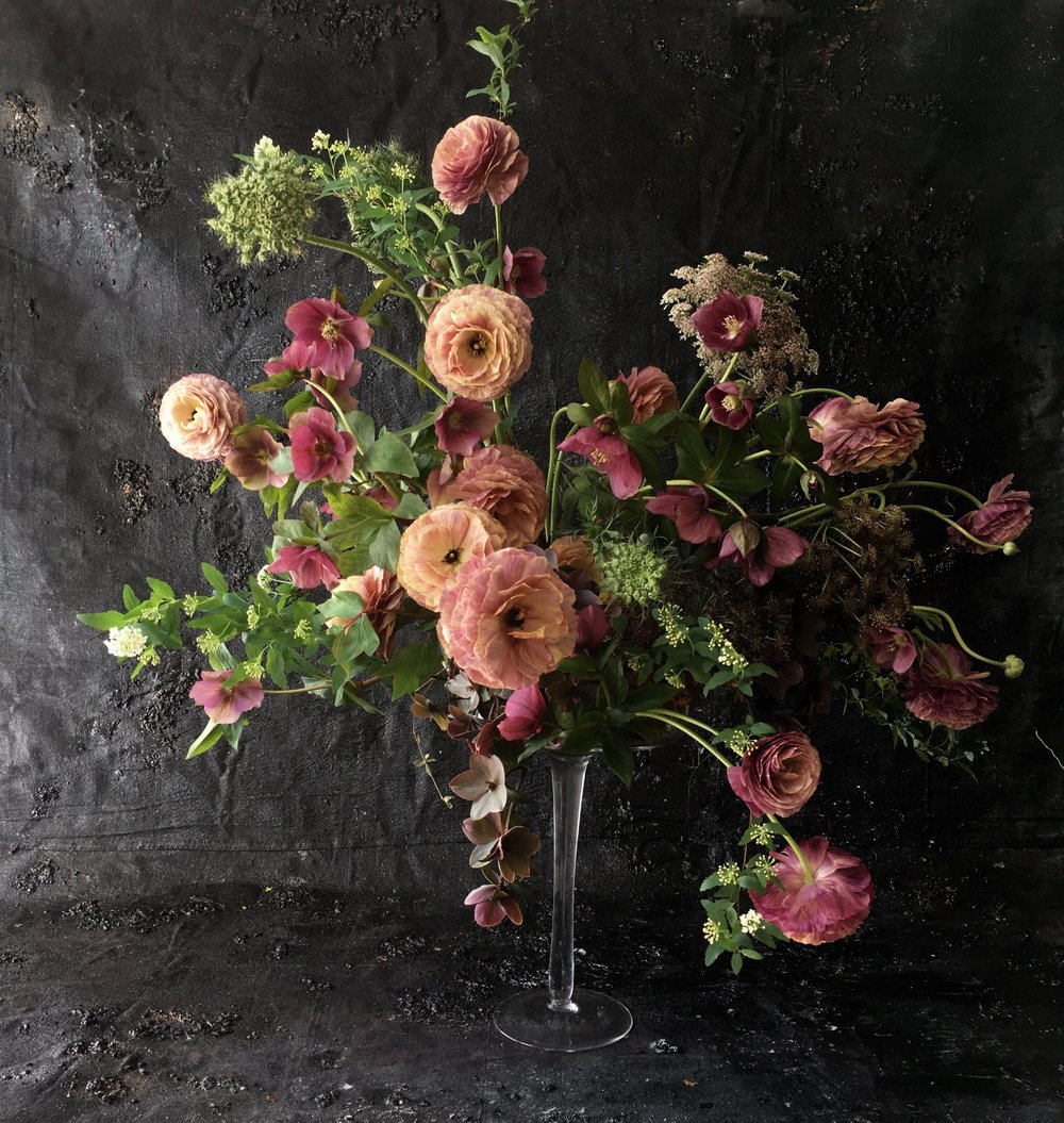 How to Photograph Flowers - Fast Track class with Heather Payne Photography. This class is well-suited for the floral designer, flower farmer or related floral professional who wants to create stunning images of the flowers they arrange or grow.