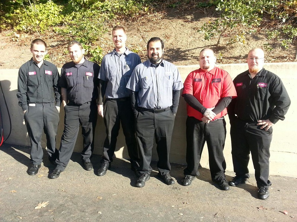 About this Jiffy Broadbase, Inc. Broadbase, Inc. dba Jiffy Lube, is an award winning franchisee that is locally owned and operated serving the Greater Sacramento and Central Valley areas since