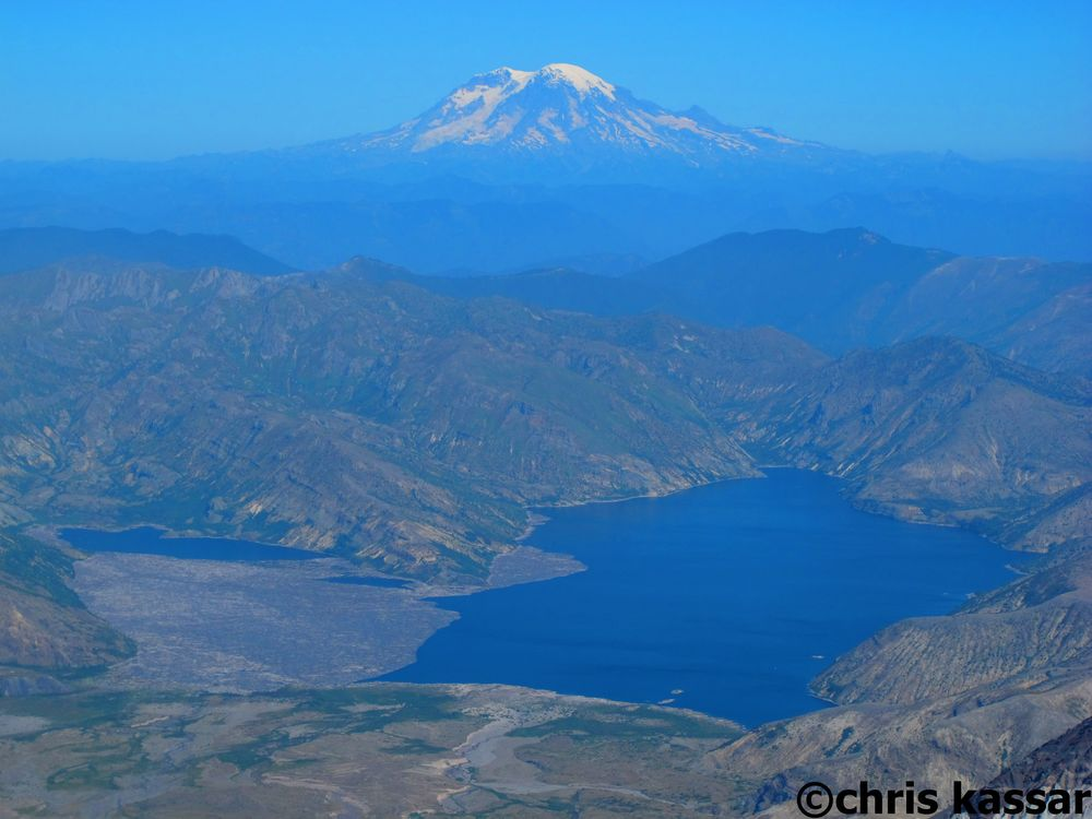 View_From_Mt_St_helens_summit.jpg