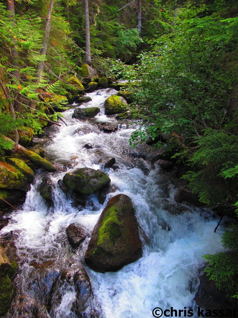 Glacier_Pk_Wilderness_waterfall.jpg
