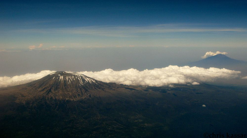 kili_meru_from_air.jpg