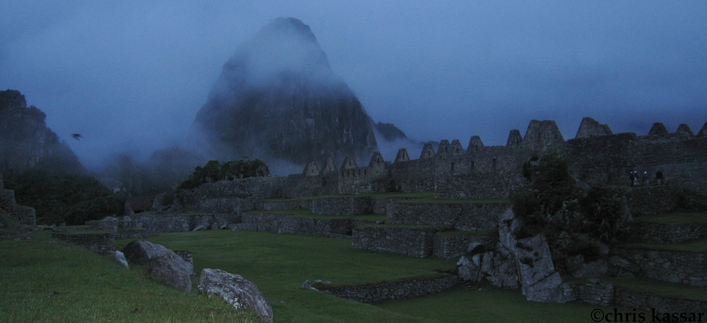 macchu_picchu_in_the_mist.jpg