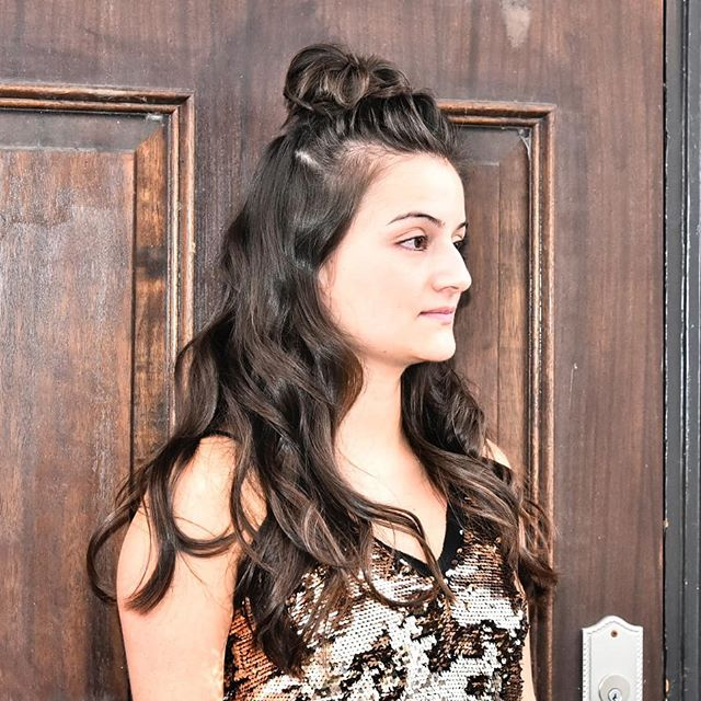 How many Holiday Parties are you going to this year?! 😍😍 Holiday Party Look #2: Half-Up Top Knot. We ♥️ this look so much bc is absolutely perfect on shorter or longer hair and on all hair textures! Gather hair starting 2-3 inches above your ear and pull back and up. Loosely twist the hair into a bun and pin into place. Make sure to pull out some pieces from the bun for some additional height and texture. OPTIONAL: Finish off the remaining hair with some loose, effortless waves using your favourite @fixxrx flat iron! You're good to go! . . . . . #hairstyling #holidayhair #hairtutorial #beauty #HolidayBeauty #partylooks #hairhowto #shinyhair #festiveseason #hairstyles