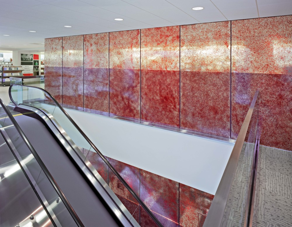 DSW Filenes Basement Union Square - Escalator 2.jpg