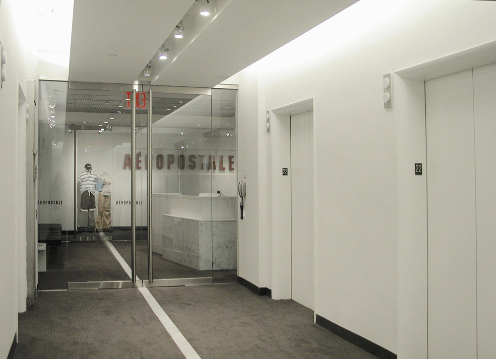Aeropostale - 22nd Floor Entrance 1.JPG