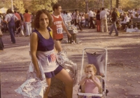 mom-laura-kovall-oct-1979-nyc-marathon.jpg