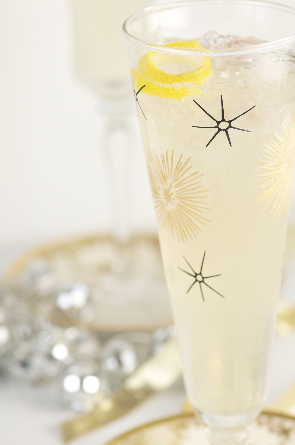 Scott's Sparkling Cocktail with BeeSweet Lemonade