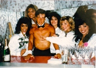 scott-young-bartender-ladies-only-champagne-lounge-hawaii-la-raiderettes-cheerleaders.jpg