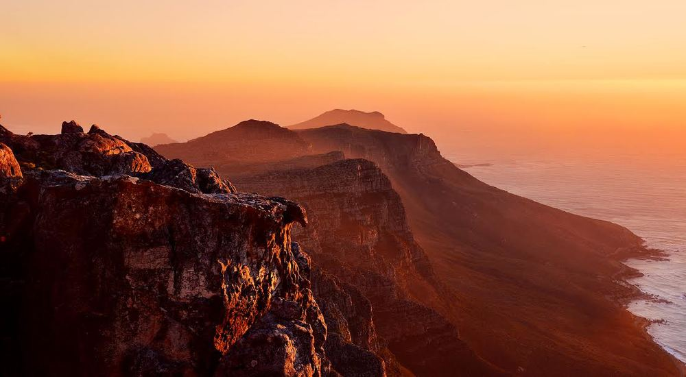 Cape Town, ZA: Table Mountain at Sunset
