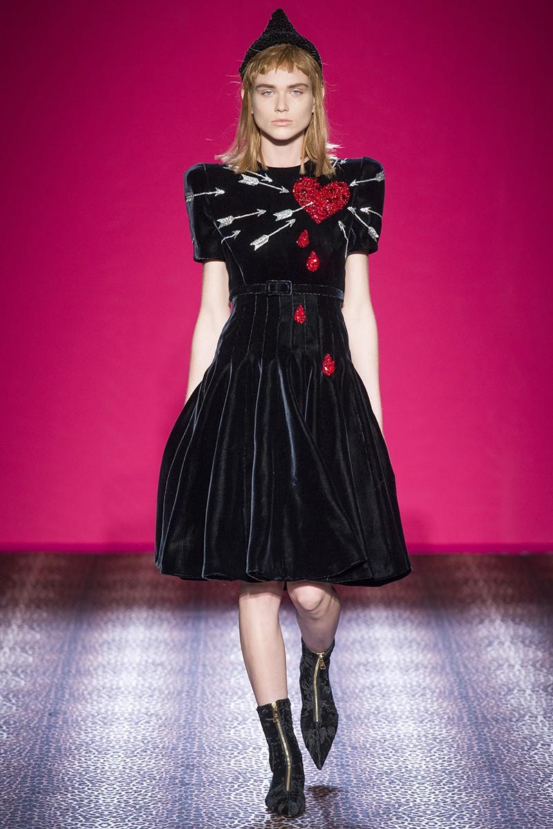 schiaparelli-couture-fall-2014-04_100345725957.jpg