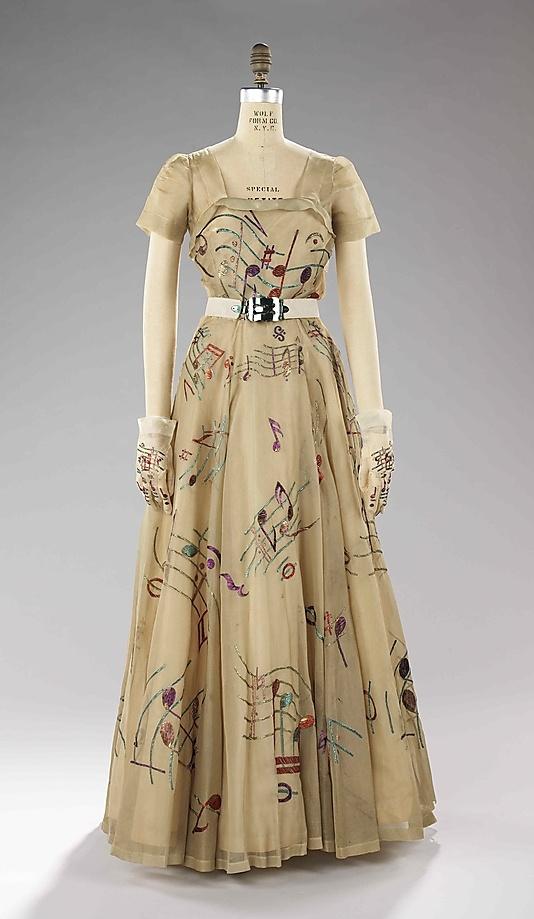 vintage gown 1939.jpg