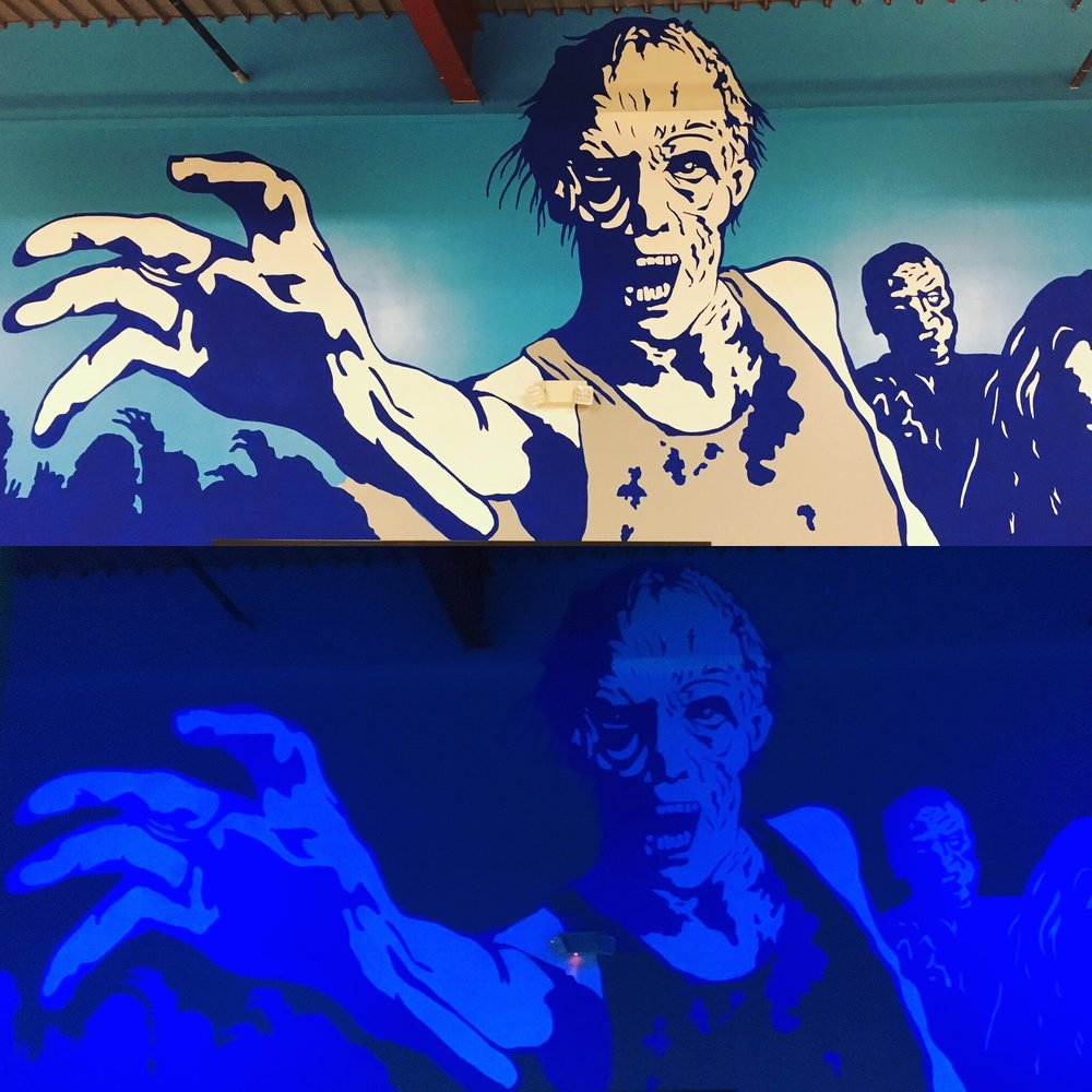 Dart'Em Up Nerf Gun Arena, zombie room (blacklight paint)