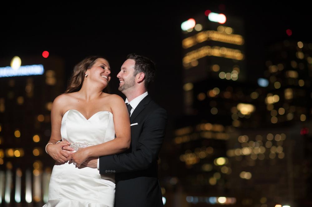 toronto-downtown-nightime-wedding-portrait
