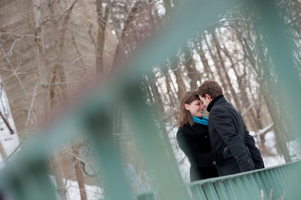 toronto-winter-engagement-photograph-005.jpg