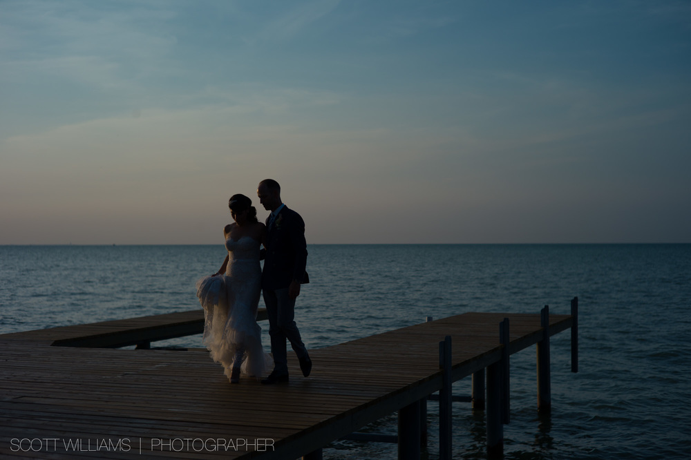 ontario-private-lakefront-cottage-wedding-006.jpg