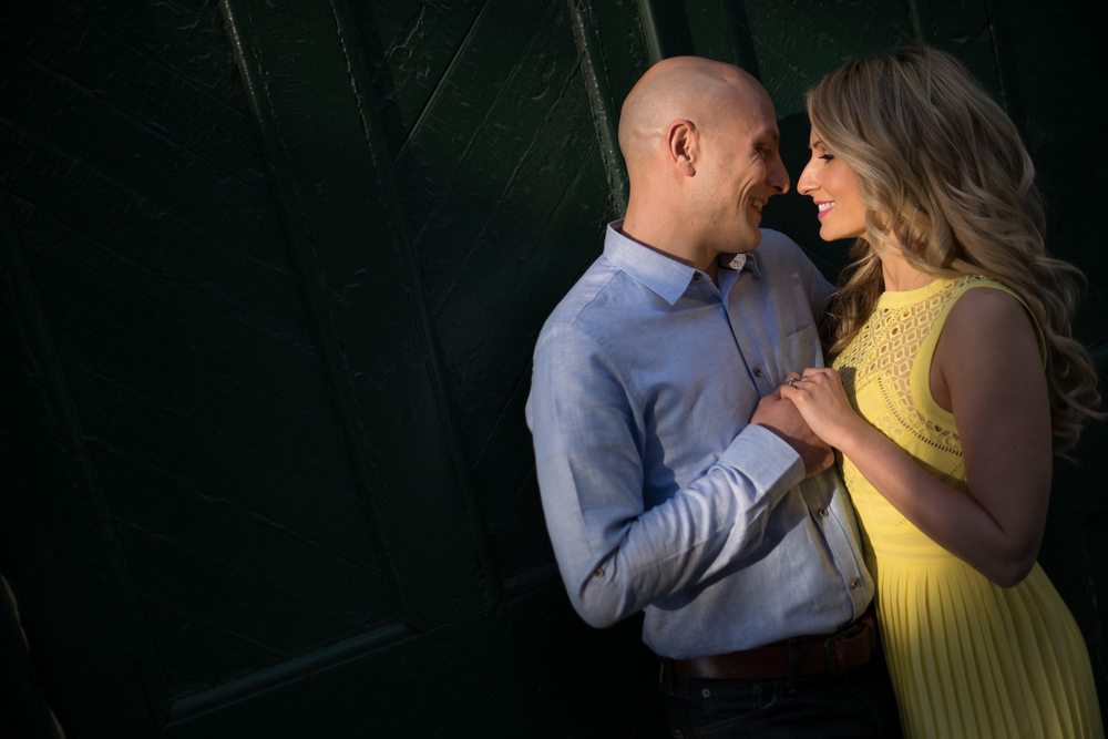 distillery_district_toronto_engagement_photographs-005.jpg