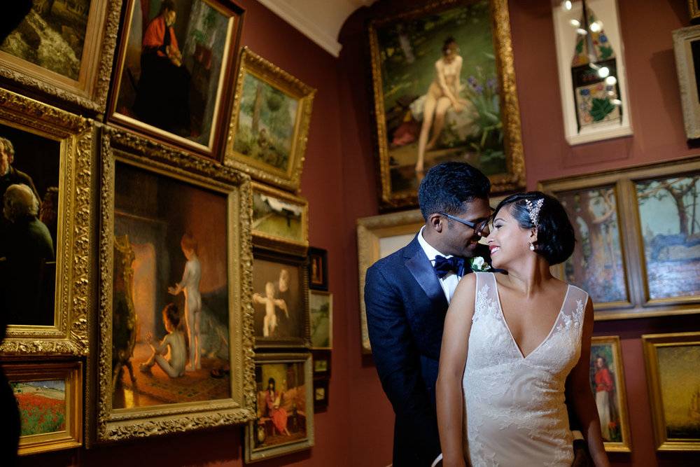 art gallery of Ontario wedding portrait
